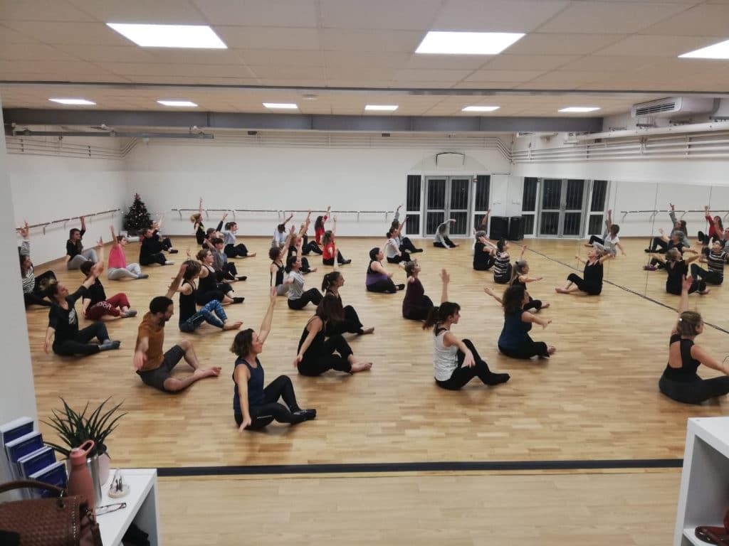Ecole-danse-harmonie-aix-en-provence-cours-danse-contemporaine-moderne-africaine-pilates-salle (11)