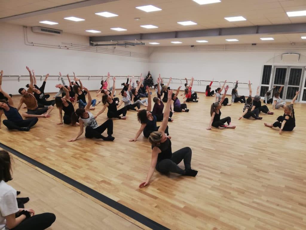 Ecole-danse-harmonie-aix-en-provence-cours-danse-contemporaine-moderne-africaine-pilates-salle (14)