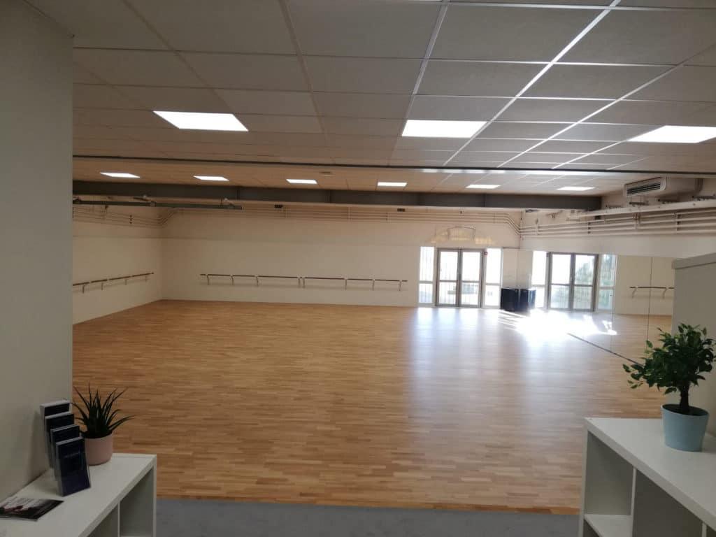 Ecole-danse-harmonie-aix-en-provence-cours-danse-contemporaine-moderne-africaine-pilates-salle (5)