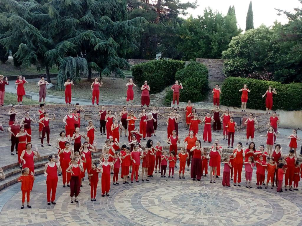 Ecole-danse-harmonie-aix-en-provence-gala-exterieur-saisons (4)