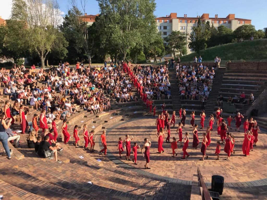 Ecole-danse-harmonie-aix-en-provence-gala-exterieur-saisons (7)