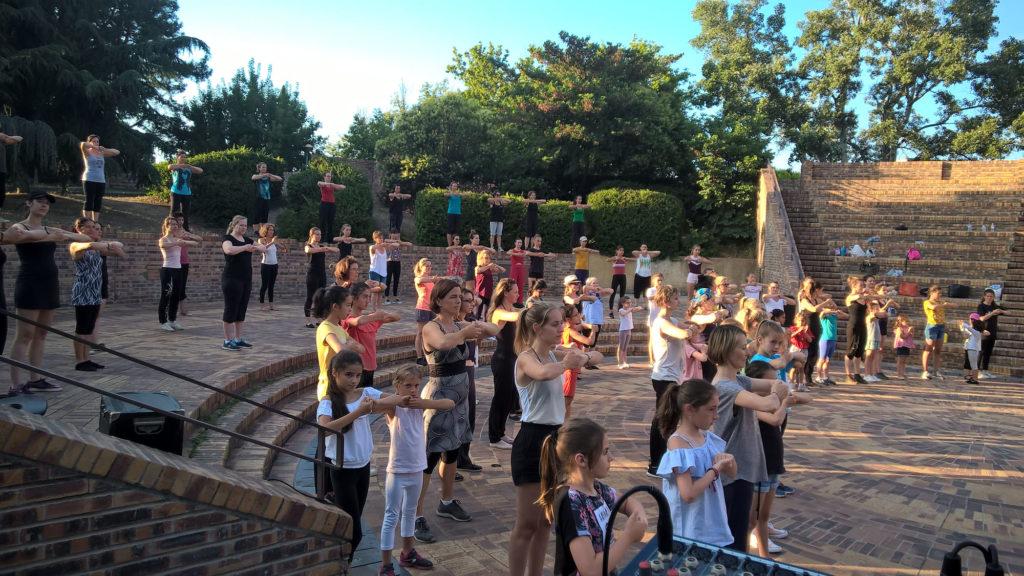 Ecole-danse-harmonie-aix-en-provence-gala-exterieur-saisons (9)
